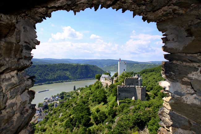View from the canopy bed room torwards the neighboring Castle Sterrenberg and the Rhine river valley